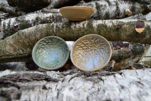 Små dekorative skåle i stentøj keramik