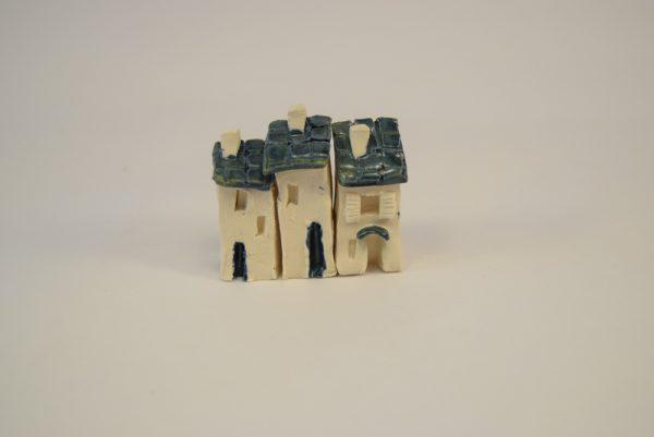 Miniaturehuse i keramik