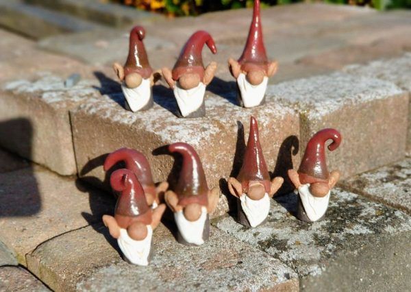 små nisser i keramik